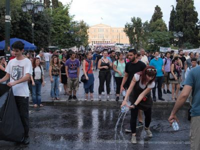 greek_indignants_cleaning_streets_day_22.jpg