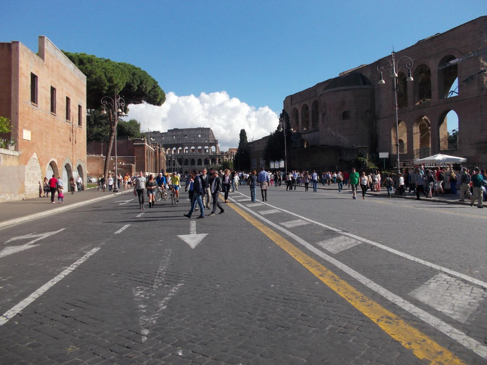 Via dei Fori Imperiali, free of congestion on a pedestrians-only Sunday