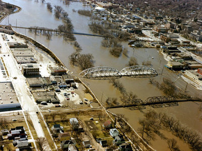 606px-1997_red_river_flood_grand_forks.jpg