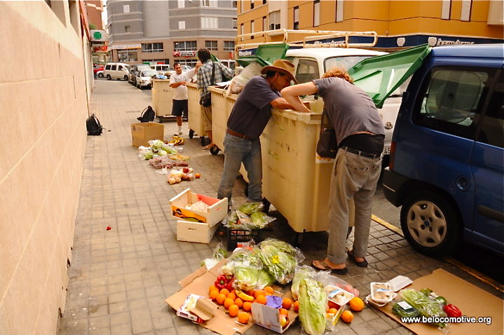 Nicola Zolin and others find food in some fruitful dumpsters in Las Palmas, the co-capital of the Canary Islands.