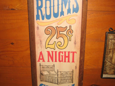 rooms-25-cents_flickr_zoedisco.jpg