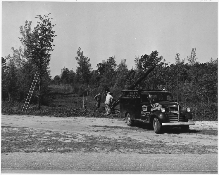Newberry_County,_South_Carolina._Setting_R._E._A._poles_by_Newberry_County_Electric_Cooperative,_Inc_._._._-_NARA_-_522774.tif 2.jpg