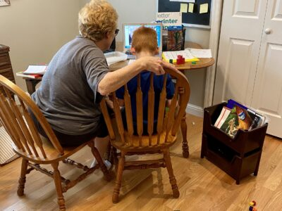 praise recently on Instagram as her mother, Candace, helps her son, Oliver (6) with remote learning. Submitted by Leslie Stallone-Levitan